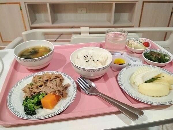 日本食の晩ごはんです。